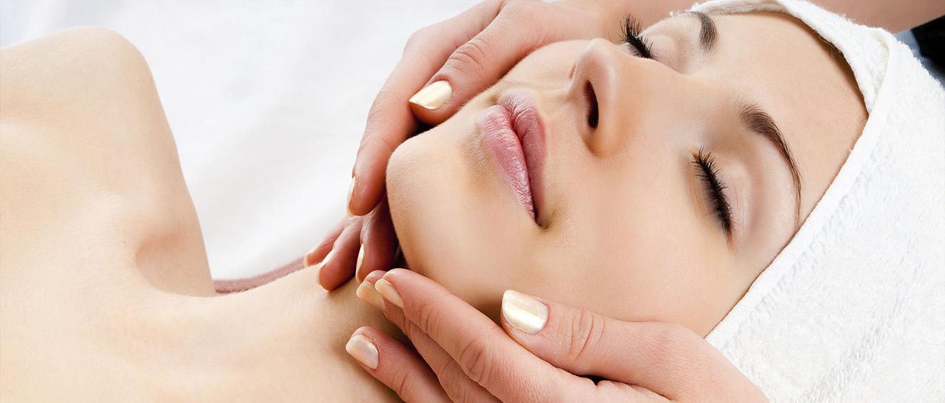 At the Heart Aesthetics & Wellness / Facials